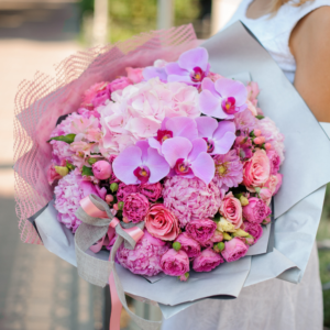 Fleurs Sur Mesure Pink Passion Fresh Flower Bouquet