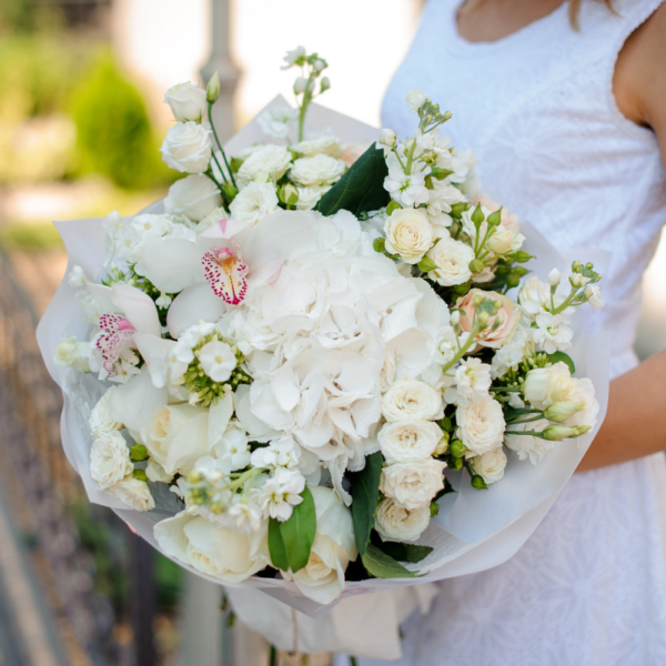 Pure Opulence Fresh Bouquet Fleurs Sur Mesure